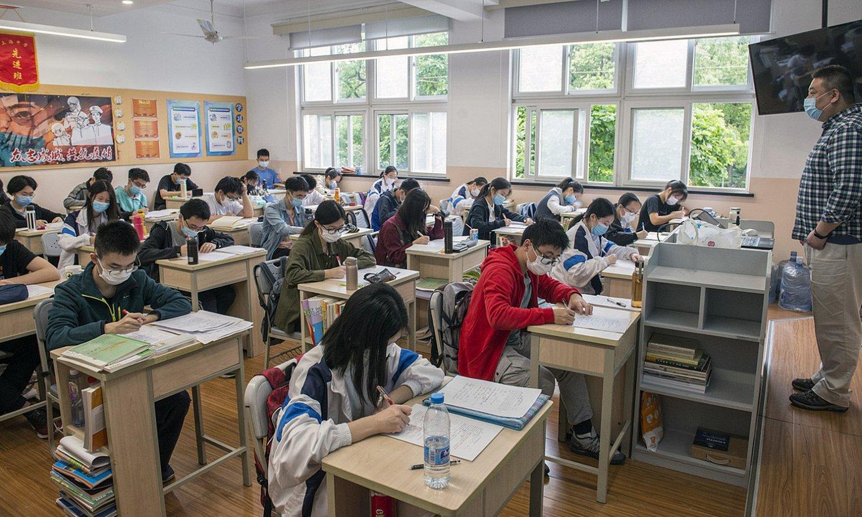 Bigarren hezkuntzako ikasgela bat, Shanghain. ©ZIGOR ALDAMA