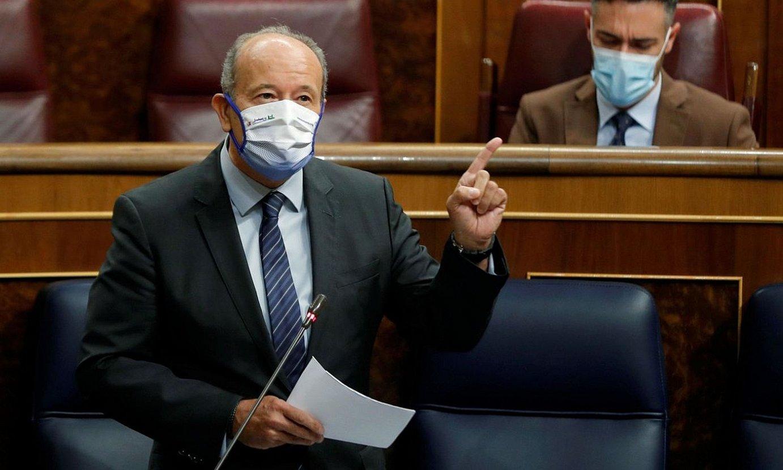 Juan Carlos Campo Espainiako Justizia ministroa, atzo, gobernuaren Kongresuko kontrol saioan. ©EMILIO NARANJO / EFE