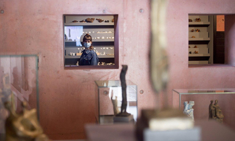 Agostina Horvath Oteiza museoan, atzo, ateak irekitzeko egunean. ©I. URIZ / FOKU