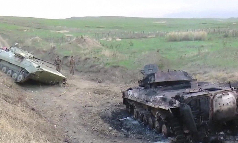 Karabakh Garaiko milizien tanke bat suntsituta, atzo. ©EFE