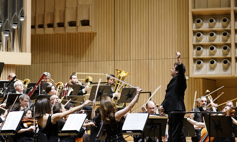 Euskadiko Orkestrak ostiralean ekin zion denboraldiari, Gasteizen, Robert Treviño zuzendariaren gidaritzapean. ©EUSKADIKO ORKESTRA