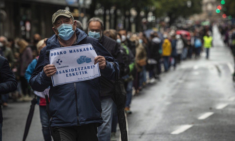 Osasun arloko langileak eta pentsiodunak elkartu dira manifestazioan. ©ARITZ LOIOLA /FOKU