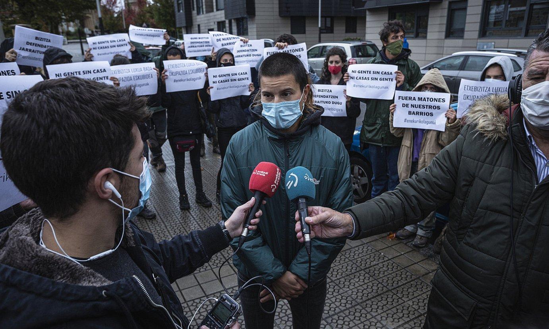 Bilboko Okupazio Bulegoko kideak, atzoko agerraldian. ©ARITZ LOIOLA / FOKU