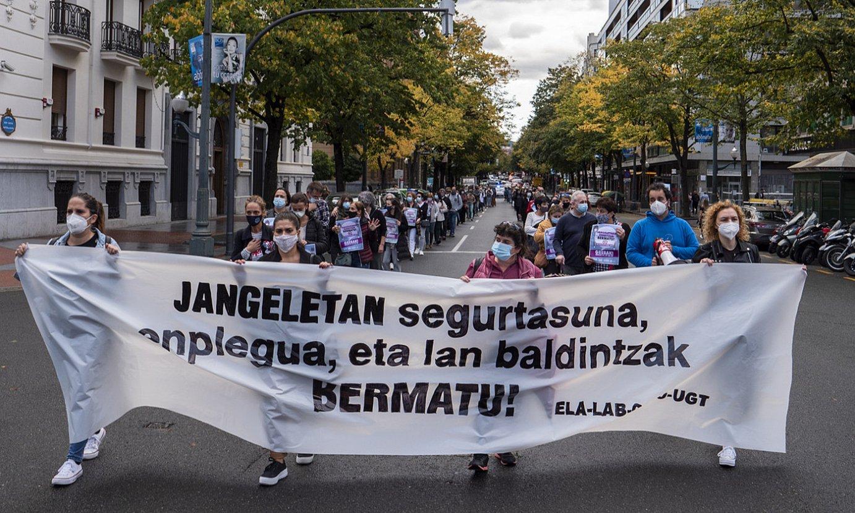 Jangeletako langileen manifestazioa, atzo goizean, Bilbon. ©MONIKA DEL VALLE / FOKU