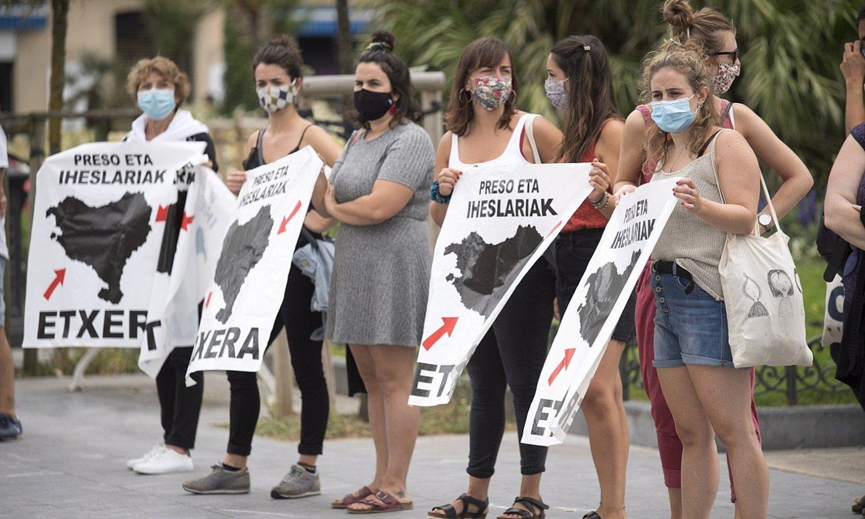 Etxerat-ek euskal presoen eskubideen alde udan deitutako protesta bat, Donostian. ©JUAN CARLOS RUIZ / FOKU