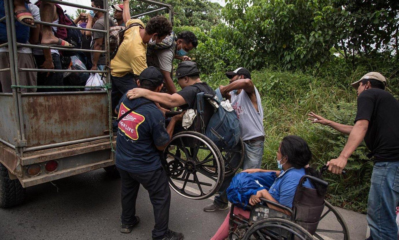 Hondurastar batzuk karabanan parte hartzen, Guatemalan. ©ESTEBAN BIBA