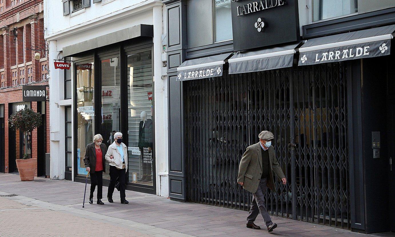 Konfinamendua indarrean dago atzodanik Ipar Euskal Herrian. Irudian, Donibane Lohizune. ©BOB EDME