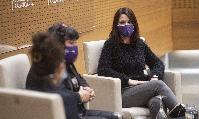 Rut Iturbide, Eva Isturiz eta Paola Damonti, atzo, aurkezpenean. ©J.MANTEROLA / FOKU