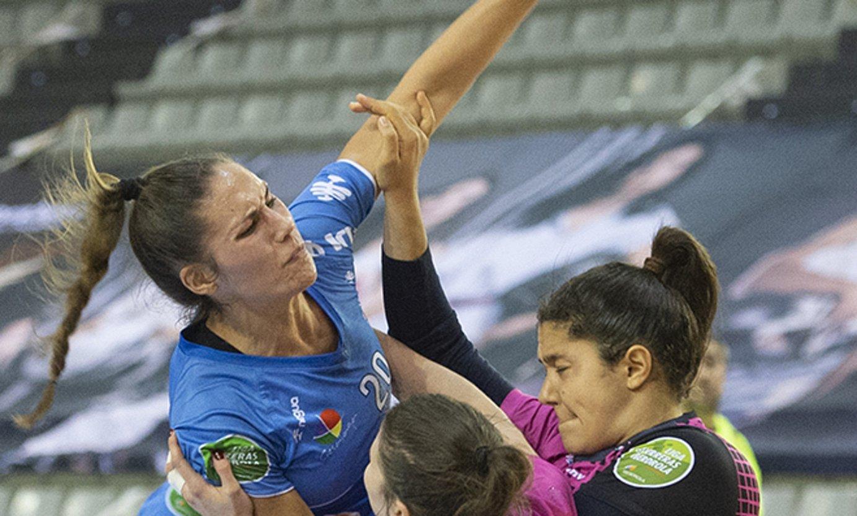 Maria Prieto O'Mullony, jautitzen, Aularen aurka. ©JUAN ANTONIO GOIKOETXEA