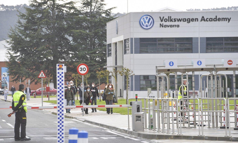 Volkswagenen auto lantegia, Iruñeko Landaben poligonoan, artxiboko irudi batean. ©IDOIA ZABALETA / FOKU