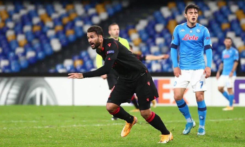 Willian Jose, berak sartu berri zuen gola ospatzen, atzo Napolin. ©REAL SOCIEDAD