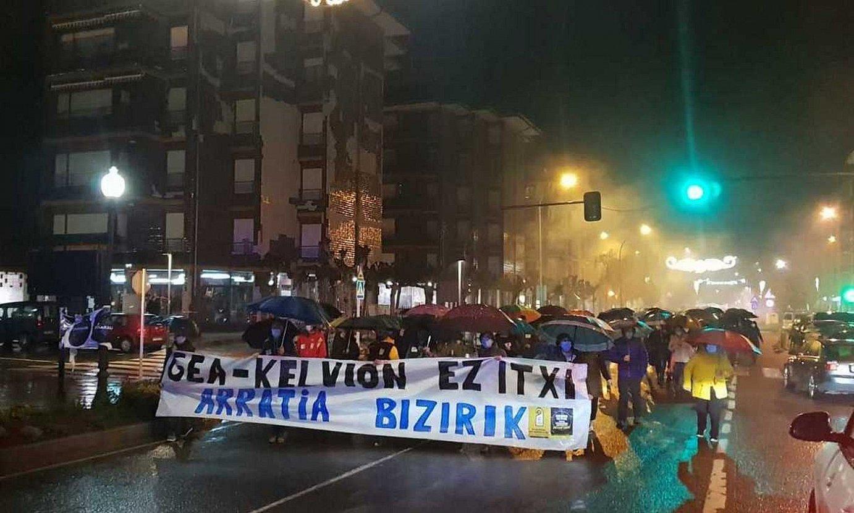 Kelvionen itxieraren aurka atzo arratsaldean Igorren antolaturiko manifestazioa. ©- / EZEZAGUNA
