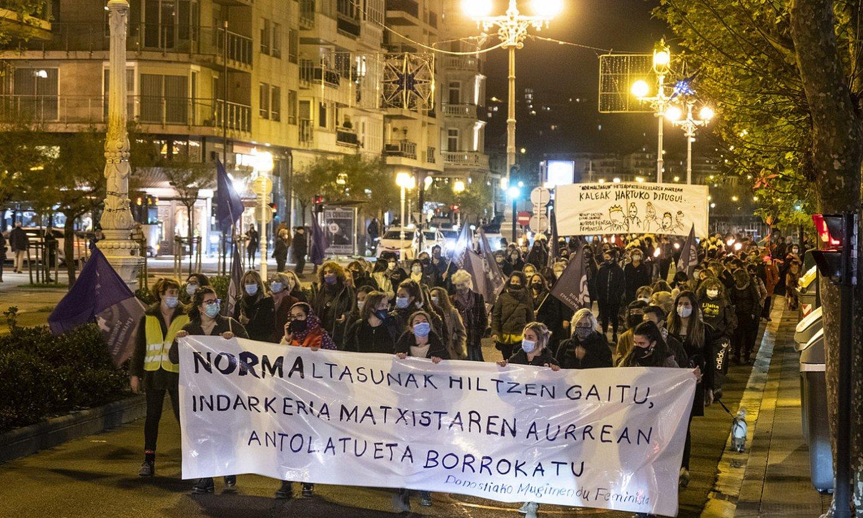 Indarkeria matxistaren aurkako egunean, joan den azaroaren 25ean, Donostian egindako manifestazioa. ©JON URBE / FOKU