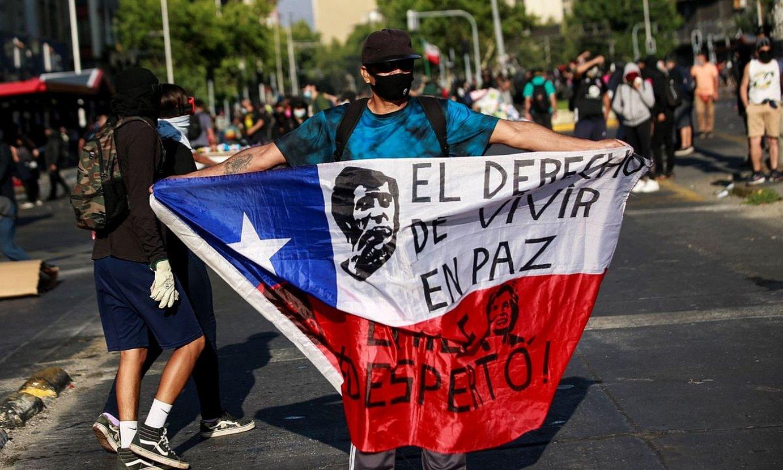 Sebastian Piñera presidentearen aurkako protesta bat, Santiagon. ©ALBERTO VALDES / EFE