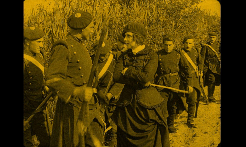 Musidora, Allegria kapitainaren rola jokatzen, <em>Pour Don Carlos</em> filmaren fotograma batean. ©EUSKADIKO FILMATEGIA / TOLOSAKO FILMATEGIA