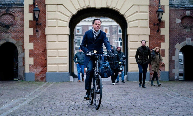 Mark Rutte Herbehereetako lehen ministroa, atzo goizeko Ministroen Kontseilura heltzean. ©BART MAAT/EFE