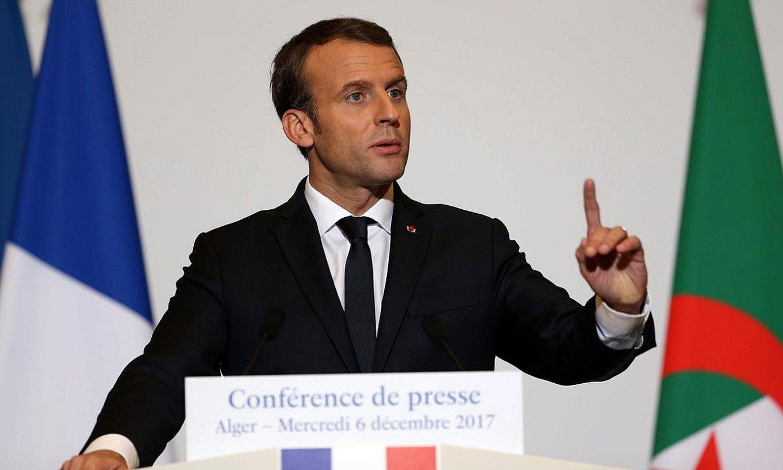 Emmanuel Macron Frantziako presidentea, 2017ko abenduaren 6an, Aljerren, prentsaurreko batean. ©STR / EFE