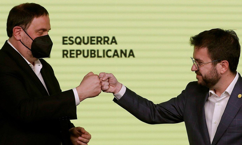 Oriol Junqueras ERCko burua eta Pere Aragones hautagaia, herenegun, Bartzelonan. ©ALBERTO ESTEVEZ / EFE