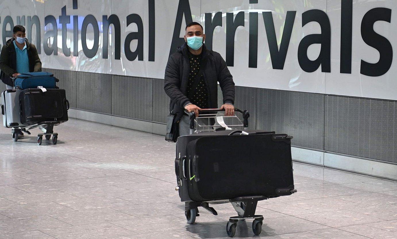 Bidaiariak Londresen, Heathrow aireportuan. ©NEIL HALL / EFE