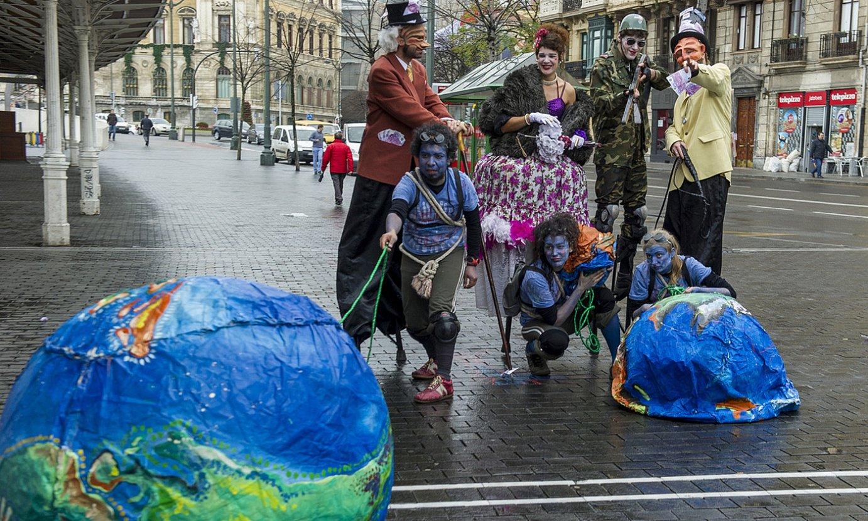 Lankidetzan diharduten gobernuz kanpoko erakundeek BIlbon egindako protesta bat, artxiboko irudi batean. ©MONIKA DEL VALLE / FOKU