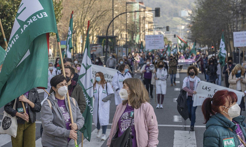 Zaintzako langileak, ELAren Donostiako manifestazioan. ©ANDONI CANELLADA / FOKU