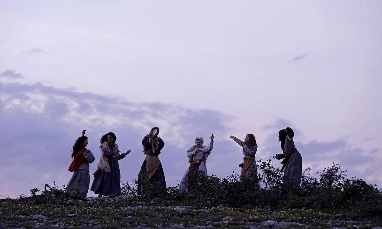 Pablo Agueroren <em>Akelarre</em> filmak du sarietarako izendapen gehien, bederatzi guztira. Irudian, fotograma bat. ©BERRIA