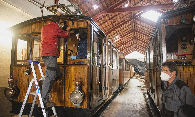 <b>Atelierra. </b>Prebentziozko lanak egiteko gidariak bezain mekanikariak dira langile gehieneak. ©GUILLAUME FAUVEAU