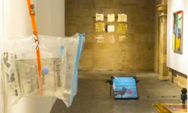 <em>Etxea</em> erakusketa proiektua Euskal Museoko areto batean. ©EUSKAL MUSEOA