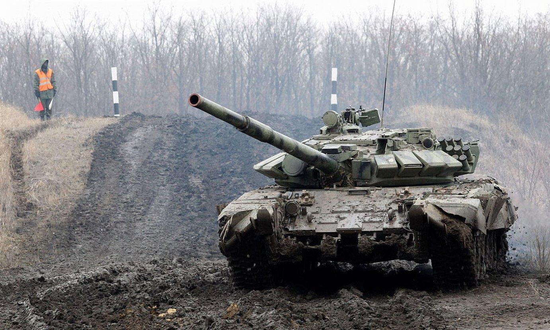 Donetskeko milizien tanke bat, proba militarrak egiten. ©DAVE MUSTAINE / EFE