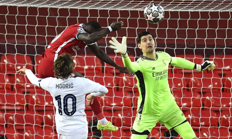 Mane, Modric eta Courtois, Liverpoolek eta Real Madrilek Txapeldunen Ligan berriki jokatu duten partidan. ©P. POWELL / EFE
