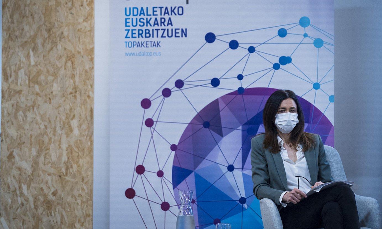 Miren Dobaran Eusko Jaurlaritzako Hizkuntza Politikako sailburuordea, atzo, Udaltop jardunaldietan. ©GORKA RUBIO / FOKU