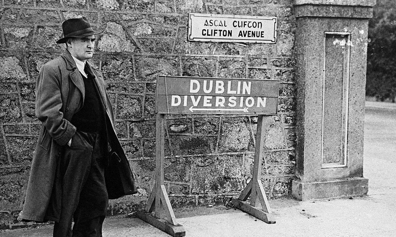 Brian O'Nolan, Dublinen, 1950eko hamarkadan. ©THE IRISH TIMES