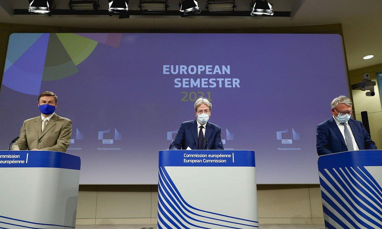 Europako Batzordeko komisario ekonomikoak, atzo, Bruselan. ©JOHANNA GERON / EFE