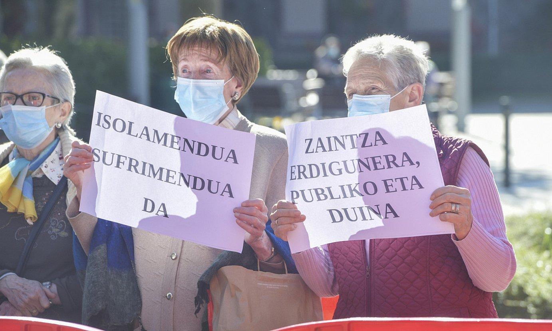 Zahar etxeen egoera salatzeko protesta bat, iaz. ©IDOIA ZABALETA / FOKU