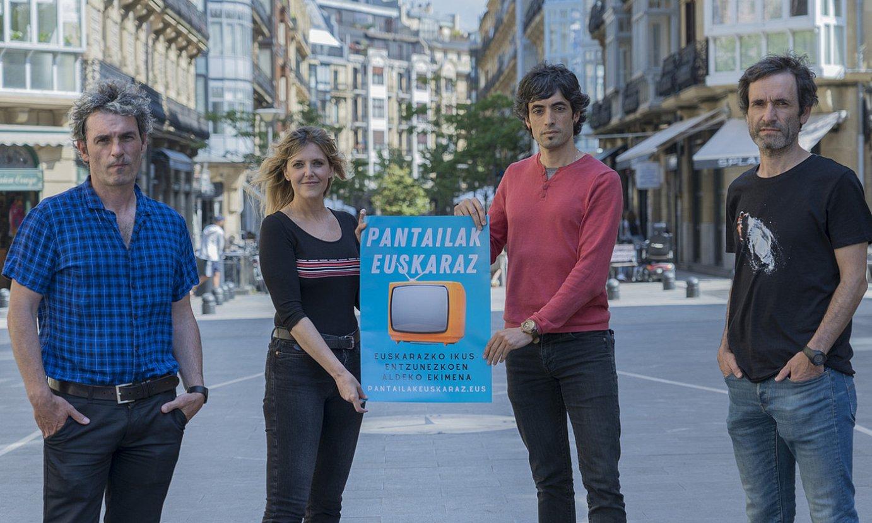 Iñigo Arandia, Aintzane Gamiz, Alex Aginagalde eta Patxo Larrinoa Pantailak Euskaraz-eko kideak. ©G. R. / FOKU