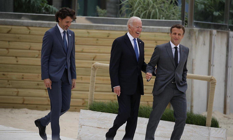 Kanadako gobernuburu Justin Trudeau, AEBetako Joe Biden, eta Frantziako Emanuel Macron. ©PHIL NOBLE / EFE
