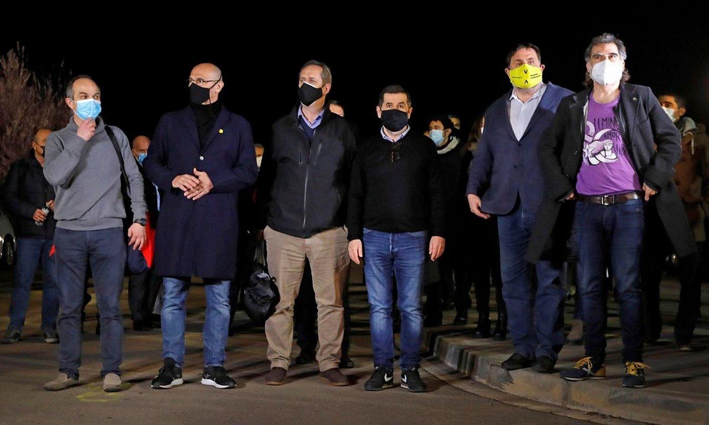 Turull, Romeva, Forn, Sanchez, Junqueras eta Cuixart, martxoan, espetxera itzuli aurretik. ©SUSANNA SAEZ / EFE