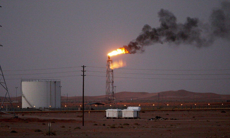 Khurais petrolio ustiategia Arabiako basamortuan, Riadetik 160 kilometrora. ©HALI HAIDER / EFE