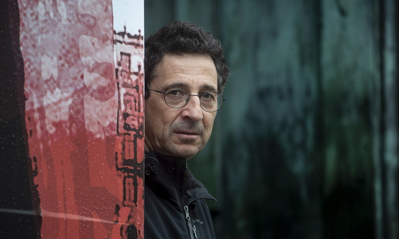 Juan Luis Zabala idazlea, iaz. Hark hasiko du narrazioen katea, bihar. ©JON URBE / FOKU