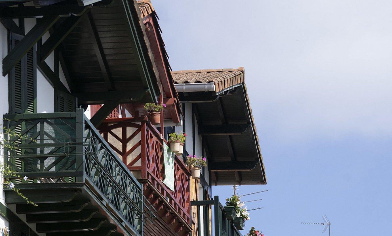 San Pedro kaleko etxe koloretsuak, Hondarribian. ©JAGOBA MANTEROLA / FOKU