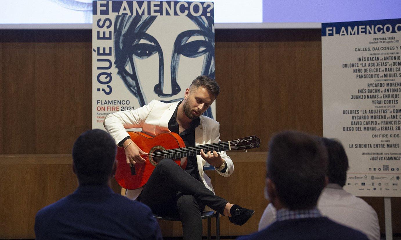 Bruno Jimenez gitarrista flamenkoa jotzen, atzo, Iruñean, Flamenco on Fire jaialdiaren aurkezpenean. ©IÑIGO URIZ / FOKU