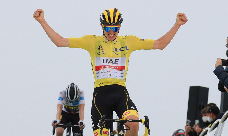 Tadej Pogacar, atzoko Tourreko etapa garaipena ospatzen. ©CHRISTOPHE PETIT-TESSON / EFE