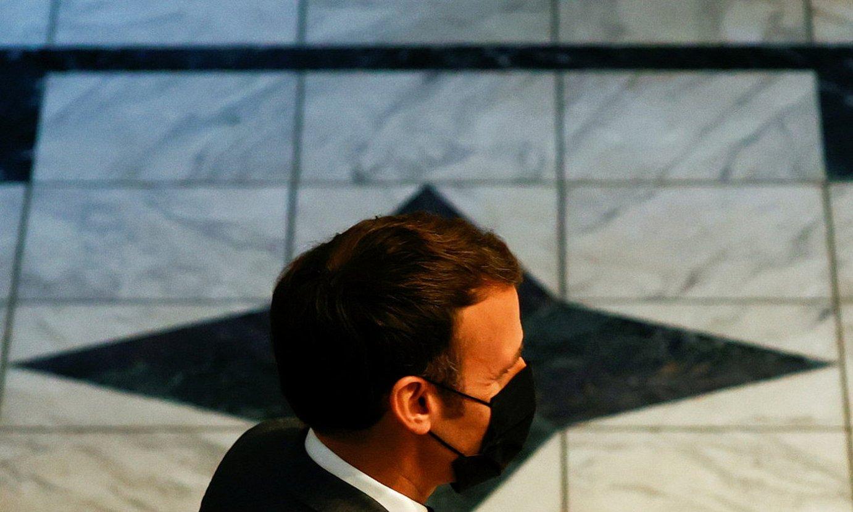 PARIS, 2021-07-13.- Emmanuel Macron Frantziako presidentea, Parisen, Frantziako armadaren aurrean hitz egin aurretik. ©CHRISTIAN HARTMANN / EFE
