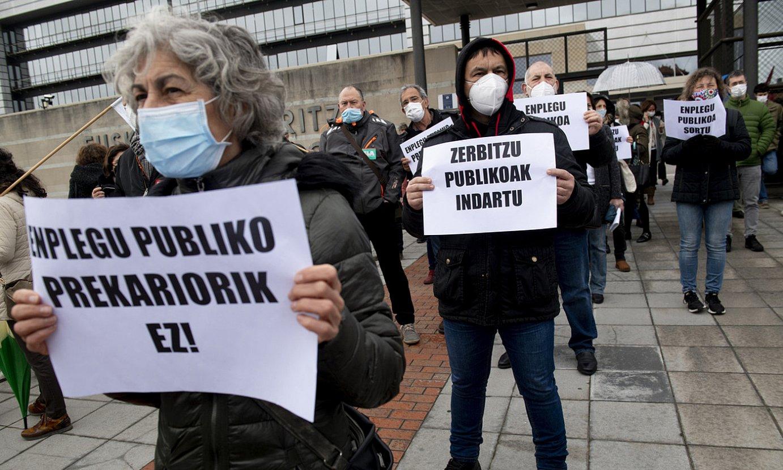 Beharginen protesta bat, Eusko Jaurlaritzaren egoitzaren aurrean. ©RAUL BOGAJO / FOKU