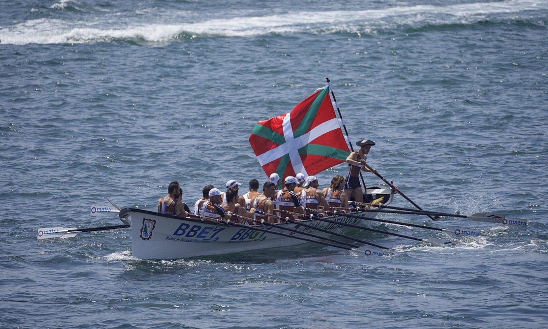 Zierbenako trainerua, herenegun, Getxoko Bandera irabazi berritan. ©ARITZ LOIOLA / FOKU