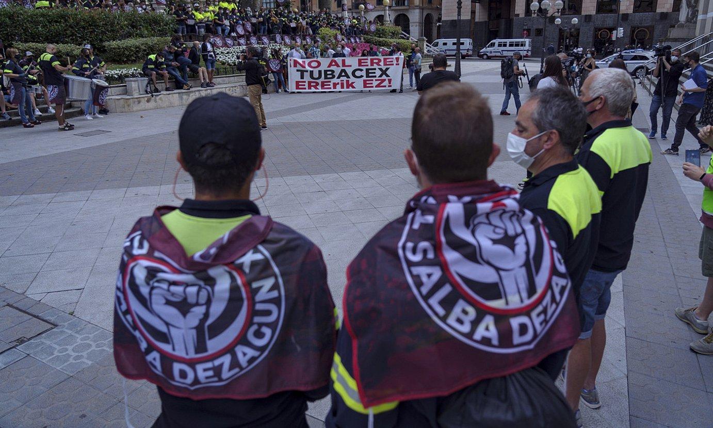 Tubacexeko langileen protesta bat, EAEko Auzitegi Nagusiaren aurrean. ©ARITZ LOIOLA / FOKU
