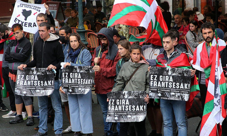 Manifestari independentistak, uztailaren 14an, Donibane Lohizunen. ©BOB EDME
