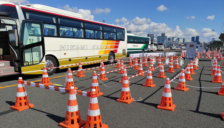 MTM autobusen geltoki nagusia. Geltoki horretara iristen dira hoteletako autobusak, eta handik joaten dira olinpiar guneetara. ©BERRIA