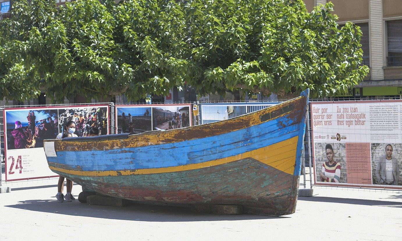 Tafallako Nafarroa plazan dago <em>Errefuxiatuak: bizitzeko ihes egin behar</em> erakusketa. ©IDOIA ZABALETA / FOKU