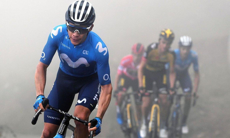 <b>Miguel Angel Lopez, erasoa jotzen atzoko etapan. Kolonbiarra gailendu zen Gamoniteiruko gainean.</b> ©TIM DE WAELE / EFE